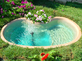Laghetto giardino i laghetti della collezione perle d for Vasche vetroresina per laghetti